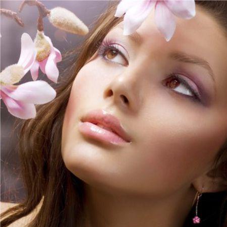 An example of the art of classical horizontal eye makeup