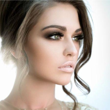 Smoky Eyes Makeup example