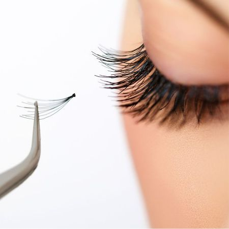 How to glue false eyelashes