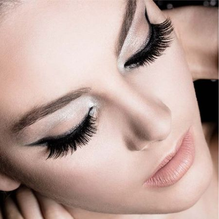 How to make a beautiful make-up with false eyelashes