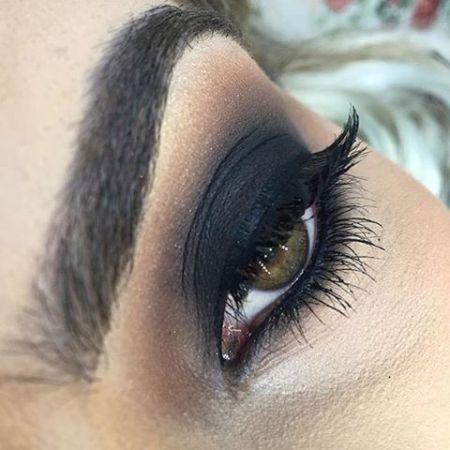 Eye makeup in black color scheme