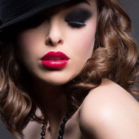 Dark eye makeup: Secrets and Features