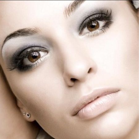 Gray makeup: the secrets and subtleties - not to be confused with the silver!