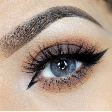 Mascara Blue Eyes - how to choose - the secrets of stylists makeup artists
