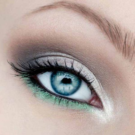 Makeup for blue eyes: the secrets and peculiarities