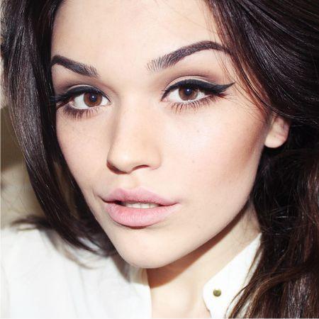 Красивый макияж карих глаз