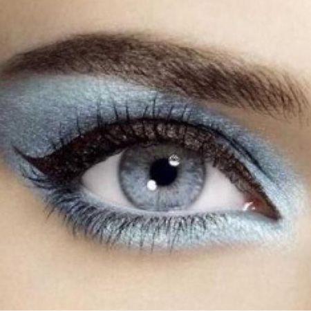 Какая тушь для ресниц и карандаш больше всего подходит для серо-голубых глаз?