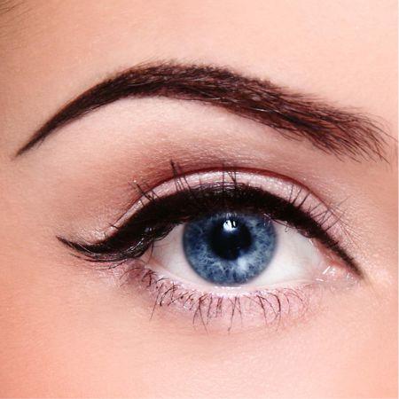 Eyeliner to stress Teal Eyes