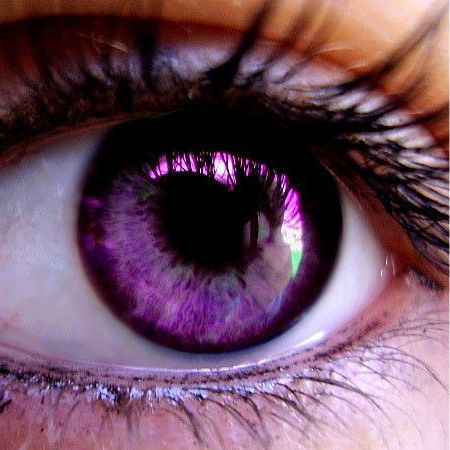 Mascara Violet Eyes - How to Choose - the Secrets of Stylists Makeup Artists