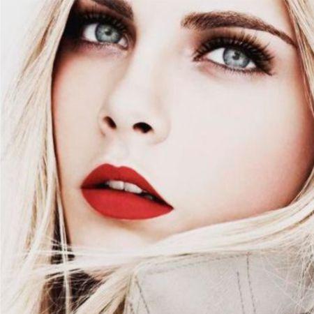Как сделать макияж губ с помощью красной матовой помады