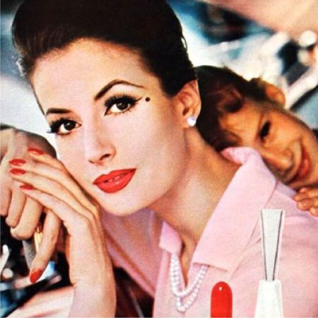 Makeup in the style of the 60s