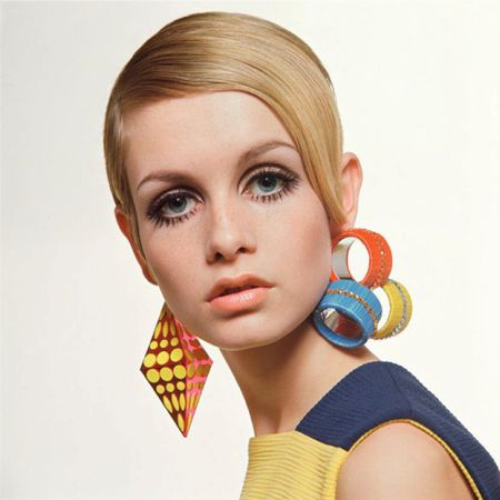 make-up in the style of the 60s