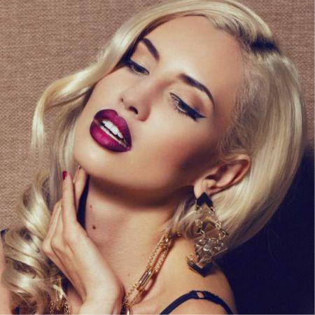 Evening make-up blonde